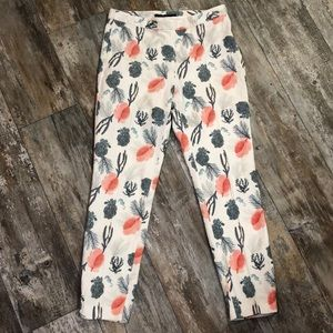 Zara | Coral Seahorse Print Ankle Pants size Large